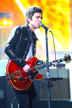 Noel Gallagher Rock And Roll Bands, Rock N Roll, Rock Rock, Rock Art, Good Music, My Music, Oasis, Liam And Noel, Musica