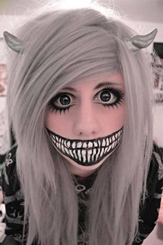 I'm changing my costume too dyed my hair for it too...this is the face make up~Andrea
