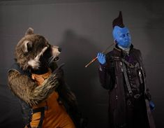 Ahhh that's good! How Ravagers clean their ears  Any ideas what Rocket could say in this moment? Let us know!  It's a fun pic of the photoshooting with @ollerpaparazzi at the photostudio of @lichtbieger  #funpic #gotg #gotgvol2 #gotgcosplay #guardiansofthegalaxyvol2 #guardiansofthegalaxy #guardiansofthegalaxycosplay #marvel #mcu #marveluniverse #marvelcosplay #cosplay #cosplaylife #costume #rocket #rocketraccoon #rocketcosplay  #yondu #yonduudonta #yonducosplay #germancosplay #moviecosplay…