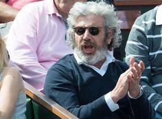 Michel Boujenah porte les lunettes de soleil Gregory Peck de @Oliver Peoples lors d'un après-midi à Roland Garros. http://labellevue-optique.fr/modele-lunettes/gregory-peck-de-oliver-peoples/