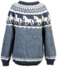 Strickpaket Alafoss Lopi Pferdemotiv Nr. 5503 Baby Knitting Patterns, Fair Isle Knitting, Hand Knitting, Fair Isle Pullover, Icelandic Sweaters, Knit Crochet, Men Sweater, Female, Clothes For Women