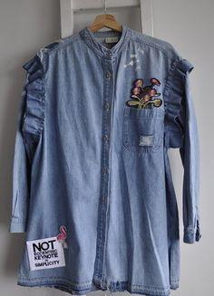 Kup mój przedmiot na #vintedpl http://www.vinted.pl/damska-odziez/koszule/18497003-koszula-jeans-dzins-falbanki-dluga-denim-diy-strzepiona-dziury-naszywki-surowe-wykonczenia-l-xl-xxl