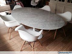 Tulip tafel Carrara marmer