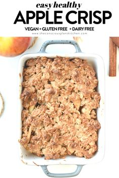 A cosy, comforting vegan gluten-free apple crisp with fresh apples and crispy oats. A sweet warm vegan dessert to share with the whole family! Healthy Apple Cake, Vegan Apple Cake, Vegan Apple Crisp, Gluten Free Apple Crisp, Apple Crisp Recipes, Gluten Free Treats, Gluten Free Baking, Vegan Baking, Healthy Baking