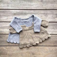 Anden og sidste udgave af opskriften på vores #bladtunika er nu i teststrik.  Inden længe er opskriften at finde på vores hjemmeside - langt om længe   #newpattern #leaftunic #knitting #knitting_inspiration #knitforkids #jentestrikk #knittingforolivesmerino #knittingforolive