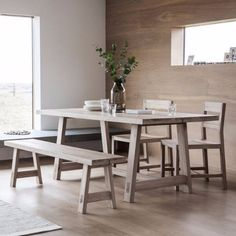 The elegant Kielder Oak dining table from Modish Living would make a stunning addition to any dining room or kitchen. Crafted from high quality light oak, the table has a contemporary finish that is reminiscent of Nordic design.