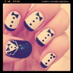 Zooey Deschanel's nails