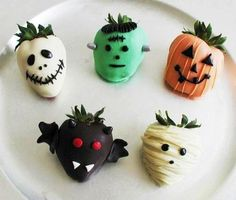 Halloween Covered Strawberries