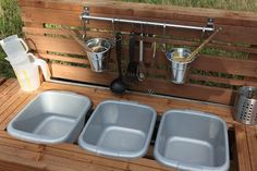 The making of a mud kitchen!! Totally awesome