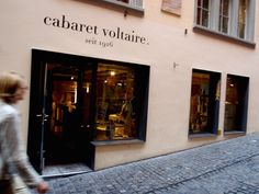 Zurich Things to Do: Cabaret Voltaire Boire de l'Absynth