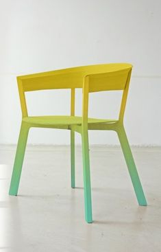 Wonderful ombre chair by Werner Aisslinger - great inspiration for an upcycle.