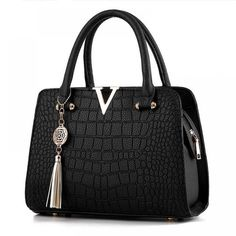 Cheap bag v, Buy Quality leather women bag directly from China designer women bag Suppliers: Crocodile leather Women Bag V letters Designer Handbags Luxury quality Lady Shoulder Crossbody Bags fringed women Messenger Bag Designer Purses And Handbags, Luxury Handbags, Purses And Bags, Ladies Handbags, Ladies Bags, Fashion Handbags, Cheap Purses, Stylish Handbags, Women's Handbags