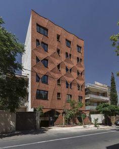 Кирпичный дом в Иране
