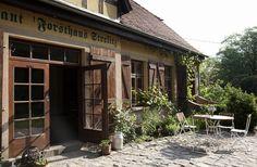 Forsthaus Strelitz in Brandenburg Bad Saarow, Hotel Airbnb, Building, Outdoor Decor, Travel, Greta, Restaurants, Bedroom, Brandenburg