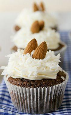Delicati cupcakes alle mandorle.  #cupcakes #cupcakesideas #almonds