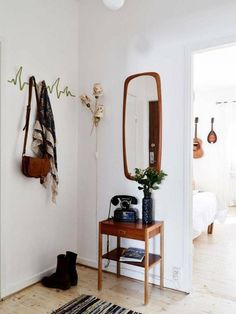 Entry ways entrance hall furniture, entrance decor, decoration hall, coat h Entrance Hall Furniture, Entrance Decor, Entrance Halls, Decoration Hall, Decoration Entree, Retro Home Decor, Vintage Decor, Celebrity Houses, Home And Deco