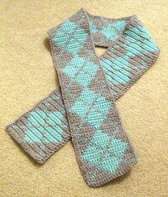 Crochet Simple Argyle Scarf free pattern.