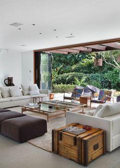 Salones abiertos al jardín. Salones integrados al patio. Ideas para salones abiertos. #patios #decoraciondejardines