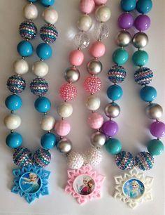 Frozen inspired chunky necklace..Elsa inspired necklace..Frozen party favors..chunky bead necklace..frozen necklace..Elsa necklace