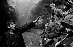 PRAGUE, Czechoslovakia—The invasion by Warsaw Pact troops, August © Josef Koudelka / Magnum Photos Magnum Photos, Prague Spring, Fotojournalismus, Fotografia Social, Warsaw Pact, Henri Cartier Bresson, Photographer Portfolio, French Photographers, Documentary Photography