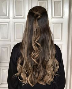 Balayage Brunette, Brunette Hair, Balayage Hair, Long Hair Highlights, Caramel Highlights, Ombre Hair Color, Good Hair Day, Light Brown Hair, Gorgeous Hair