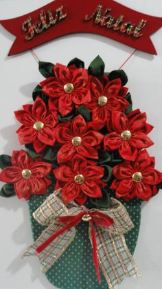 Fabric flower making step by step Christmas Tablescapes, Christmas Decorations To Make, Holiday Crafts, Christmas Wreaths, Christmas Ornaments, Christmas Poinsettia, Christmas Sewing, Christmas Love, Christmas Projects