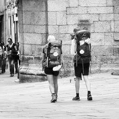Una de nuestras ciudades favoritas es la ciudad de los peregrinos, Santiago de Compostela, todos los años que vamos a galicia procuramos visitarla. La amamos!!😍😍 #santiagodecompostela #santiago #peregrinos #rincones #galicia #españa #galiciacalidade #europa #viajar #viaje #viajes #viajeros #travel #travellovers #travelblogger #travelgram #travels #viajero #instatravel #instaphoto #instafoto #instapic #turismo #ilovegalicia #sony #sonycamera #fotografia #viajaresvivir #viajerosporelmundo