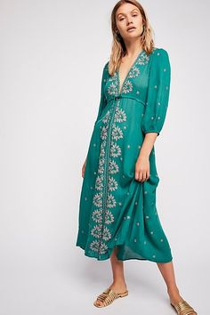 Free People Embroidered Fable Midi Dress - Rock N' Roll Red Combo Xs Tan Dresser, Beautiful Outfits, Beautiful Clothes, Boho Dress, Dress To Impress, Casual Dresses, Midi Dresses, Fashion Outfits, Fashion 2018