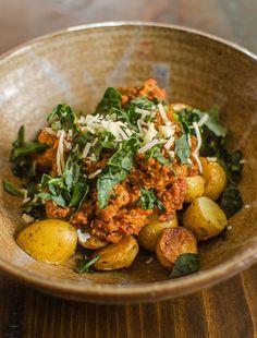Bowl of the Week: Bolognese + Potatoes + Kale