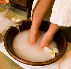 Ladies, this is the best foot softening, detoxifying foot soak ever! Fill a large bowl with warm water and add 1 cup apple cider vinegar with 1 cup Epsom salt. Soak your feet for minutes, rinse and lightly scrub with pumice stone. Then say hello to