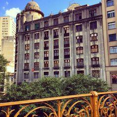 Vista do Edifício Guajara, de 1926, a partir do Viaduto Santa Ifigênia