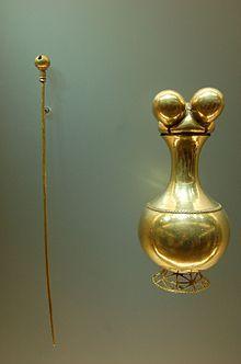 Poporo quimbaya, Museo del Oro, Bogotá. Santa Marta, Gold Wallpaper Hd, Colombian Gold, Royal Diamond, Art Antique, Masks Art, African Masks, Gold Work, Indigenous Art