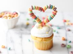 cupcake topper DIY for Valentine's Day