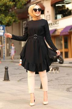 Modern Hijab Fashion, Muslim Fashion, New Dress Design Indian, Indian Fashion Salwar, Velvet Dress Designs, Girls Frock Design, Mode Abaya, Head Scarf Styles, Casual Hijab Outfit