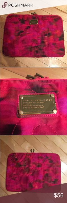 Marc Jacobs Laptop cover Gorgeous Marc By Marc Jacobs laptop case in magenta with super soft fur lining. So cute and very protective! In great condition. Marc by Marc Jacobs Bags Laptop Bags