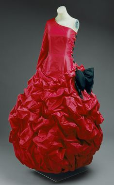 Patou by Christian Lacroix: Evening gown (1994.278) | Heilbrunn Timeline of Art History | The Metropolitan Museum of Art
