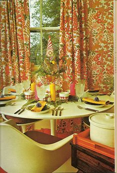 Floral Curtains + 70s chairs= I'm in a dream!