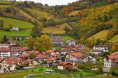 Places In Europe, Basque Country, Pamplona, Travel List, Wonderful Places, Beautiful World, Golf Courses, Dolores Park, River