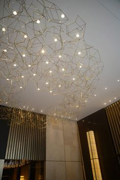 Wow, the starry sky ceiling without having to cut into the wall! Chandelier STUDIO SAWADA DESIGN
