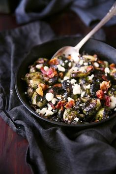 This crispy Brussels sprouts recipe will be a perfect companion to your Thanksgiving meal! #littlechanges