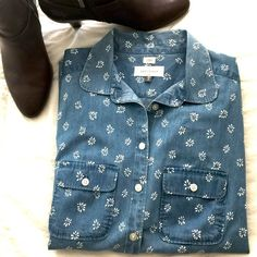 Ann Taylor Chambray Top Ann Taylor Chambray Top. This is a softened shirt in like new condition. You will love this top! Ann Taylor Tops Blouses