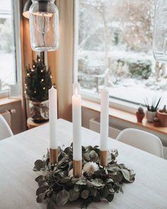 1. Advent | SoLebIch.de Foto: Victora17 #einrichten #inspiration #dekoration #weihnachten #weihnachtszeit #wohnideen #deko #weihnachtsdekoration #adventskranz
