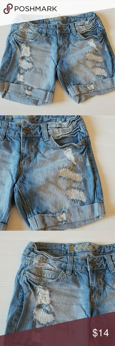 Bongo juniors  Distressed jeans shorts size 7 Good used condition.     Box Q.     * BONGO Shorts Jean Shorts