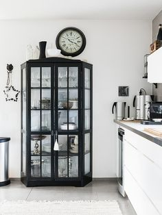 Contemporary vitrine - ooh, this gives me ideas ... :- D  - (from madeinpersbo blog - Interior Sylist: Anna Truelsen Photo: Carina Olander)