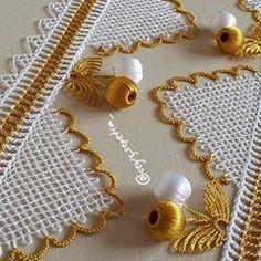 Yakın cekim görmek isteyenler buyrun💛💛💛 KESİNLİKLE ALINTI YAPARAK SAYFANİZDA PAYLAŞMAYIN Embroidery On Kurtis, Tambour Embroidery, Machine Embroidery, Pakistani Dress Design, Tassels, Diy And Crafts, Sewing, Crochet, Gold