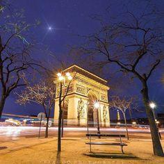 Let's go to Paris baby!!! . Follow @thebestdestinations by saaggo https://instagram.com/p/9eTNHKtVyt/ #Flickr via https://instagram.com/hotelspaschers #TeamFollowLive