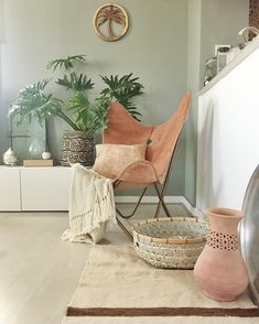 Forslag stuefarge: Minty Breeze by Decor, Dining Room Colors, Interior Inspiration, Living Dining Room, Living Room Scandinavian, Home Decor, Room Inspiration, Room Colors, Sewing Room Inspiration