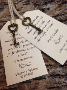 20 Shabby chic placeholders with vintage key-minimum order 20 pieces - Reality Worlds Tactical Gear Dark Art Relationship Goals Antique Keys, Vintage Keys, Key To My Heart, Small Heart, Wedding Cards, Wedding Invitations, Shabby Chic Homes, Just Married, Dream Wedding