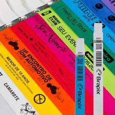Pulseiras de Tyvek Exemplos Neon Party, I Party, Party Time, Youtube Happy, Party Checklist, Neon Glow, 12th Birthday, Ideas Para Fiestas, Candyland
