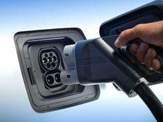 BMW i3 REx range-extender review (© Microsoft)